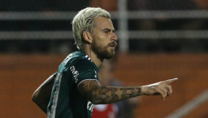 """Santos provoca Lucas Lima e publica """"5 minutos de caneta"""" no Youtube"""