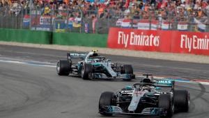 Hamilton sai de 14º, aproveita batida de Vettel e vence GP da Alemanha