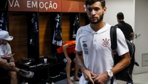 Sem espaço no Corinthians, Juninho Capixaba é emprestado ao Grêmio por 10 meses