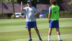 Sarri pode trocar Chelsea por Juventus, mas só decidirá depois da final da Liga Europa