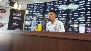 Douglas diz que se inspira em Paulinho, mas números mostram desempenho ofensivo ruim