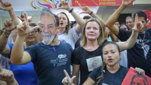 Em Cuba, Gleisi volta a defender liberdade de Lula e candidatura à Presidência