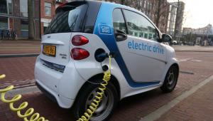 Empresas anunciam criação de rede de recarga para carros elétricos
