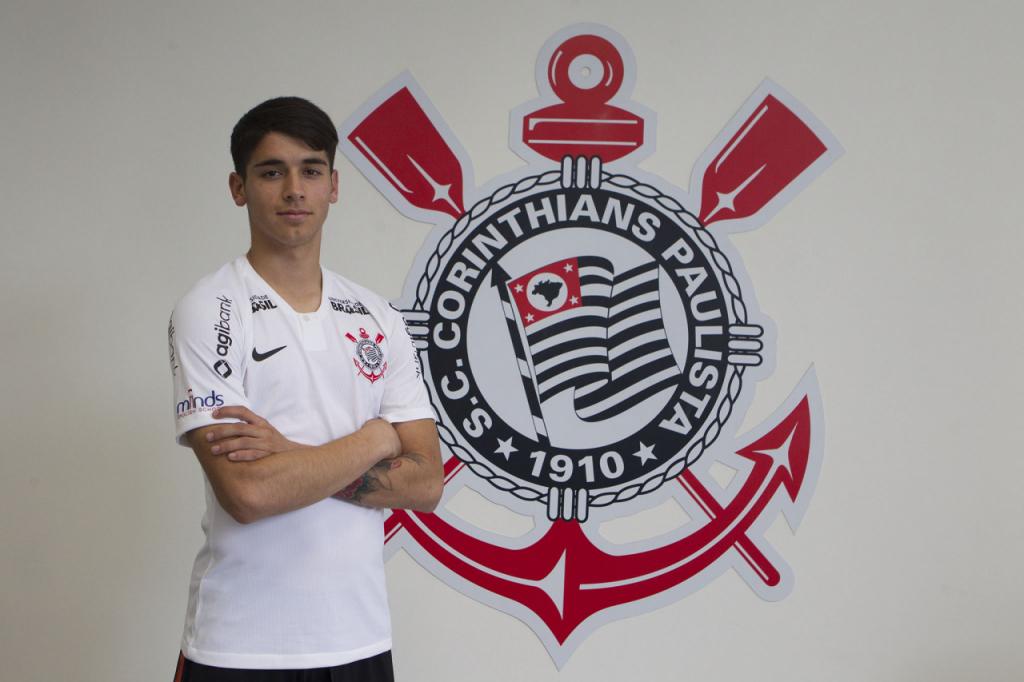 ed19227888 Corinthians oficializa a contratação do atacante paraguaio Sergio ...