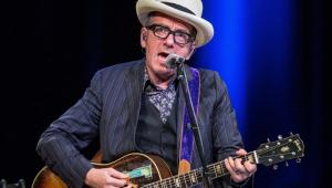 Elvis Costello cancela turnê europeia após descobrir câncer
