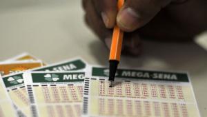 Ninguém acerta e Mega-Sena acumula; próximo sorteio vai pagar R$ 42 mi