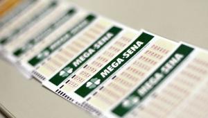 Mega Sena pode pagar R$ 62 milhões neste sábado