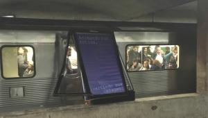 Trem se chocou com placa que caiu na estação Vergueiro do Metrô