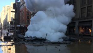 Prédios de Manhattan são esvaziados após explosão causada por vapor