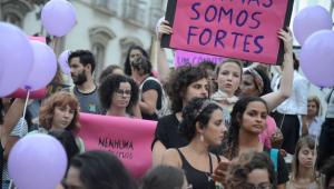 Mulheres são 'esquecidas' em programas de governo