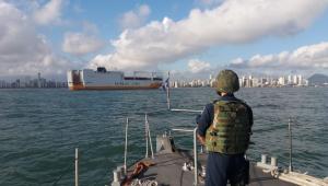 'Piratas' tentam saquear navio no porto de Santos; PF encontra cocaína