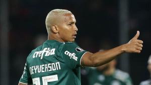 Por cotovelada em rival, Deyverson é punido e vai desfalcar o Palmeiras em dois jogos