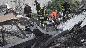 Imagens de câmeras de segurança mostram momento exato de desabamento de ponte na Itália