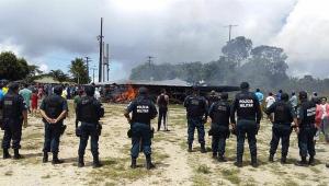 Em Roraima, brasileiros colocam fogo em abrigos para expulsar venezuelanos