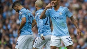 Agüero marca 3, Gabriel Jesus quebra jejum e Manchester City faz 6 a 1