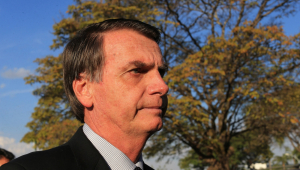 Bolsonaro chama de 'analfabeto' quem critica seu plano de Governo, mas não cita nomes
