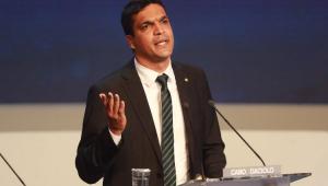 """Morno e com um """"malucão"""": como foi o 1° debate"""