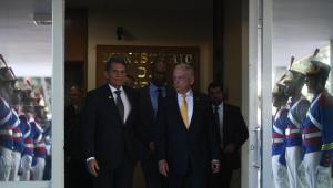 Secretário de Defesa dos EUA quer que Brasil assuma papel de liderança para solucionar crise na Venezuela