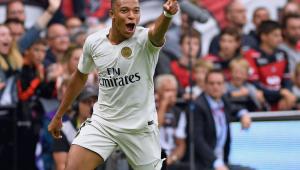 Mbappé marca dois, Neymar faz de pênalti e PSG vence de virada no Francês