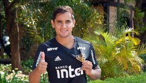 Everton Felipe substitui Lucas Fernandes e é relacionado no São Paulo pela 1ª vez
