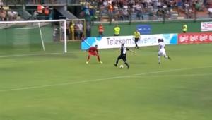 Ficou nervoso? Esloveno esbanja categoria e faz o gol mais ousado do ano