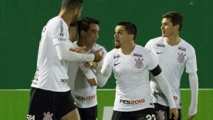 Corinthians se classificou sem sustos, mas não mostra evolução no ataque