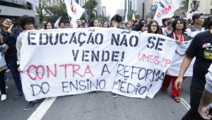 Estudantes realizam manifestação na Av. Paulista contra reforma do Ensino Médio