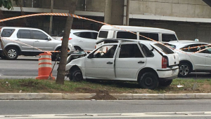 Homem morre após capotar veículo na Marginal Pinheiros, em SP