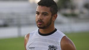 Juninho nega agressão à namorada e diz que diretor do Corinthians não foi 'homem'