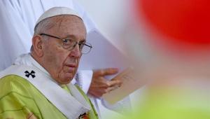 Papa denuncia política que culpa imigrantes 'por todos os males e priva os pobres de esperança'