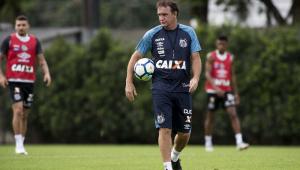 Em entrevista coletiva, Cuca confirma substituto de Derlis González