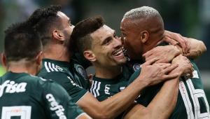 Palmeiras vence Avaí e vai para a pausa da Copa América na liderança do Brasileirão