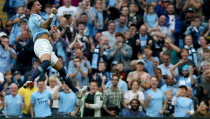 Manchester City sofre, mas bate o Newcastle e volta a vencer no Inglês