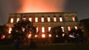 Na Câmara, diretor do Museu Nacional diz que reconstrução 'diz respeito a todos'