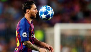 Há 15 anos, Messi estreou e começou a mudar a história do Barcelona