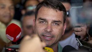 Flavio Bolsonaro diz que teve número banido do WhatsApp: 'perseguição'