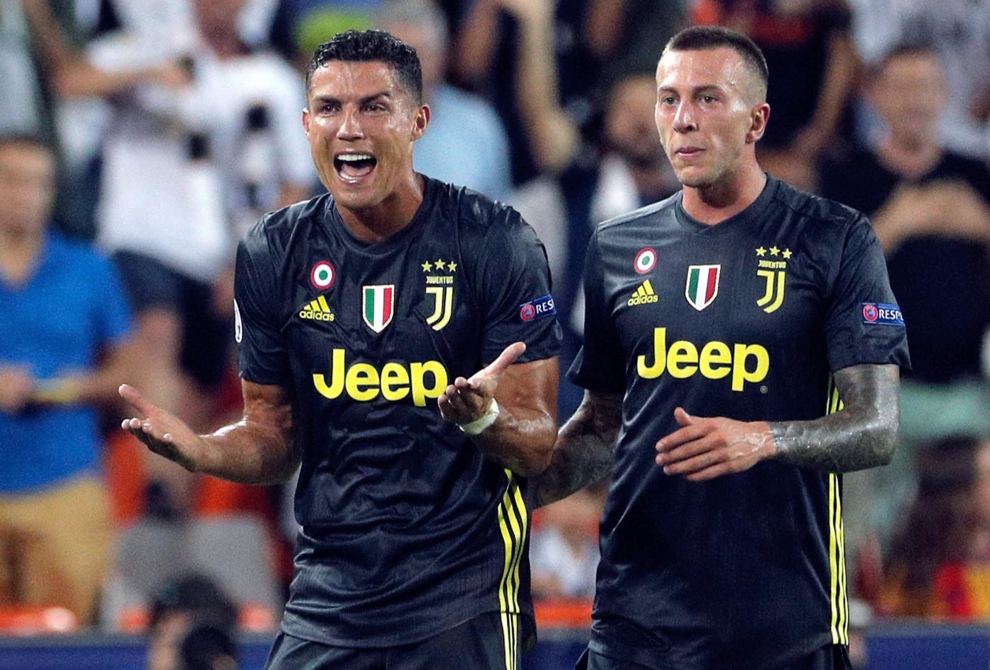Cristiano Ronaldo pega suspensão e não jogará contra Young ...