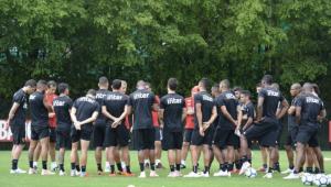 Reinaldo não participa de treino do São Paulo; Bruno Peres e Everton seguem fora