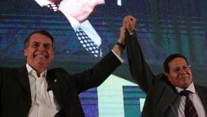 Bolsonaro avalia deixar parte das atribuições da Casa Civil de Onyx com Mourão