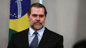 Em primeiro 'ato' como presidente interino, Toffoli sanciona lei que torna crime importunação sexual