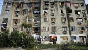 Prefeitura do RJ implode cinco prédios em Campo Grande