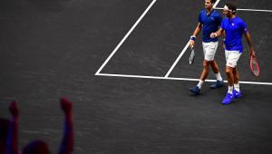 Federer e Djokovic jogam juntos pela 1ª vez na história e... perdem