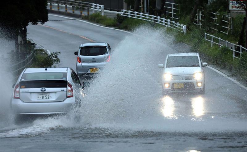 Japão ordena que 200 mil pessoas saiam de casa por causa do tufão Trami