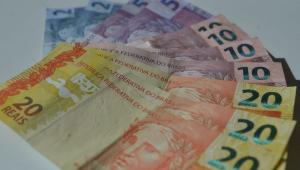 Arrecadação em março cai e soma R$ 109,854 bilhões, diz Receita