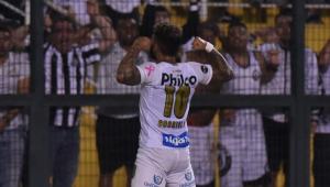 Artilheiro do Brasileirão, Gabigol aumentou histórico brilhante em clássicos; veja números