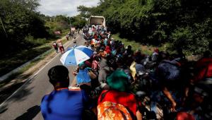 Nova caravana de migrantes se forma no México e parte rumo aos EUA