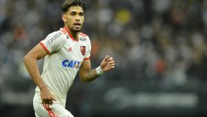 Diretoria do Flamengo nega que tenha recebido valor por fora em venda de Paquetá