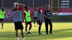 Adversário do Corinthians, Vitória também sofreu com desmanche e troca de treinadores