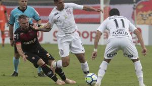 """Corinthians vira vice-lanterna do 2º turno e São Paulo fica perto da """"zona de rebaixamento"""""""