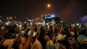 'Aeroporco': Palmeiras embarca para Argentina com apoio de milhares de torcedores